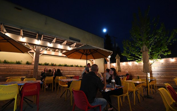 Terrific Best Restaurant And Bar Patios In Minneapolis St Paul Metro Pdpeps Interior Chair Design Pdpepsorg