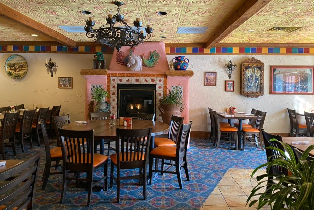 Cabin Fever Take A Mini Holiday At One Of These Tropical Themed Restaurants Twin Cities