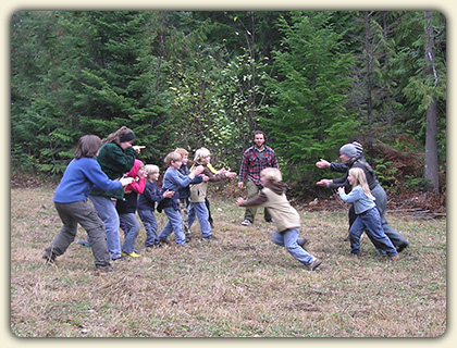 Great Outdoor Games for Kids  Enjoy these super fun  nature based     Outdoor Games for Kids