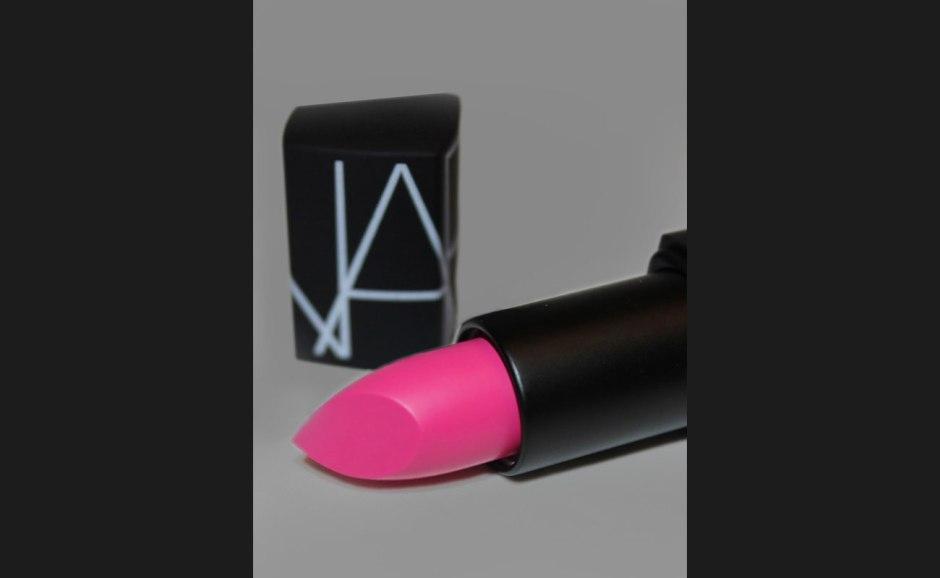 Best pink lipsticks for flirty look