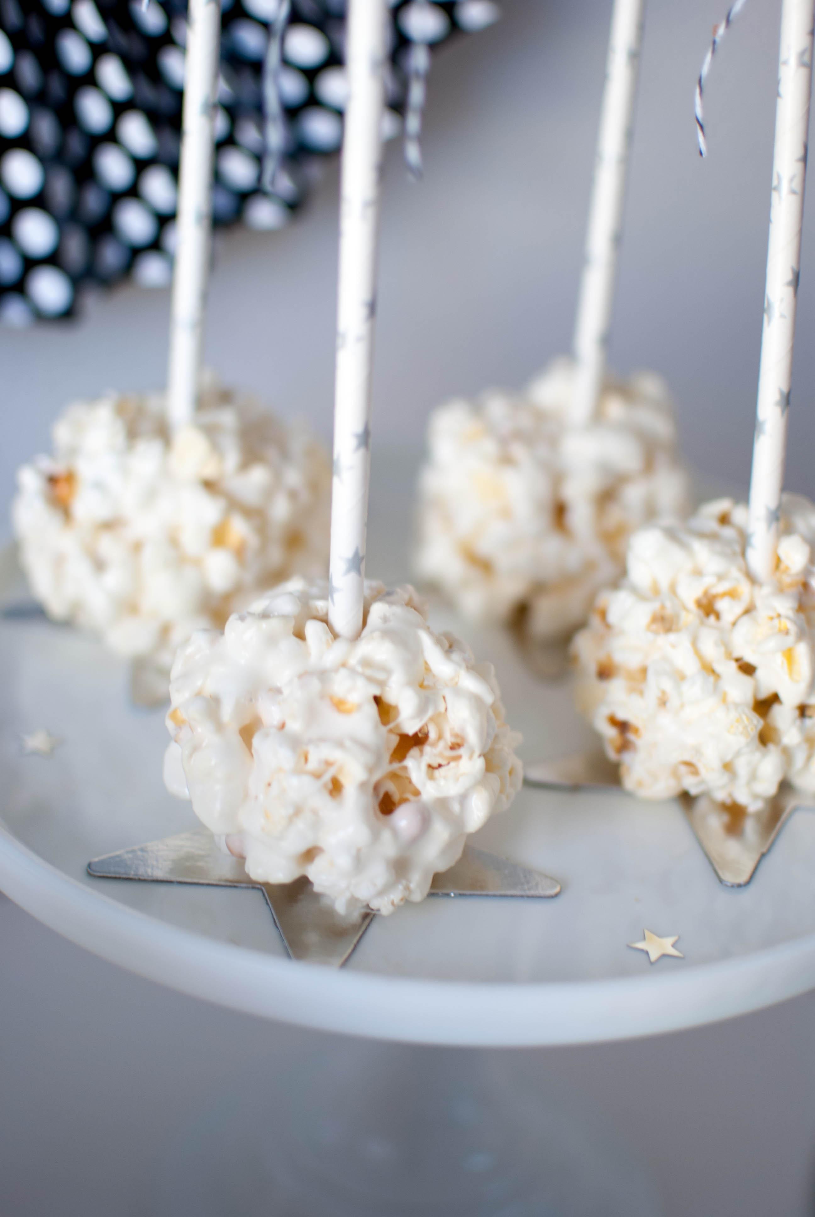 The Oscar Party} Popcorn Bar Ideas - TWINKLE TWINKLE LITTLE PARTY