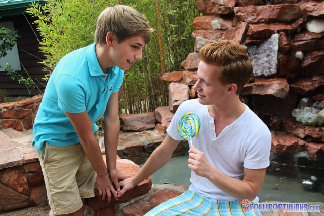 Billy London fucks JR Adams (Lollipop Twinks)