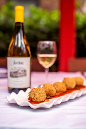Beautiful Spring Dinner Party Ideas with Jordan in 2021