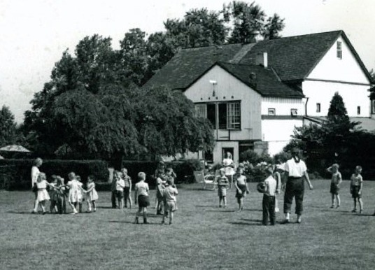 Image of Twin Spring Farm in the 40s.