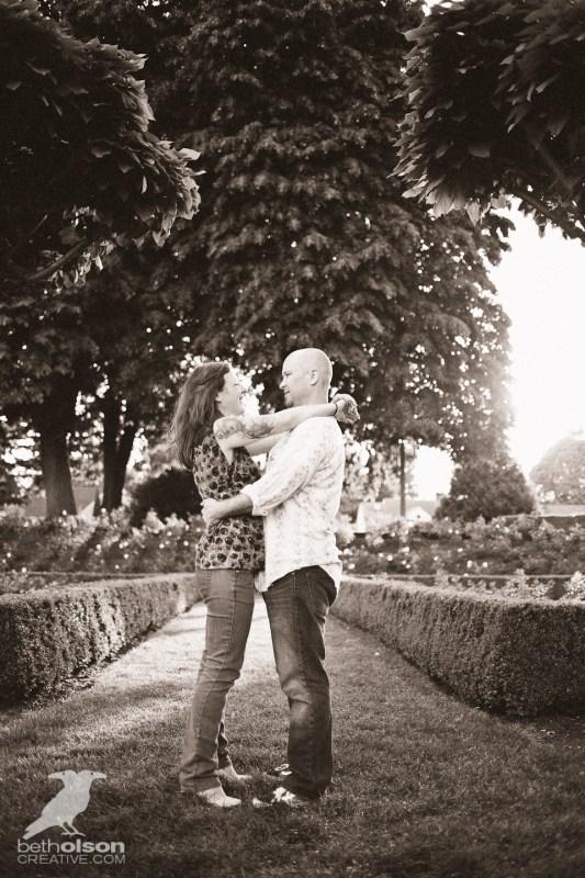 Ashley-Michael-Engagement-Peninsula-Park-Portland-BethOlsonCreative-020