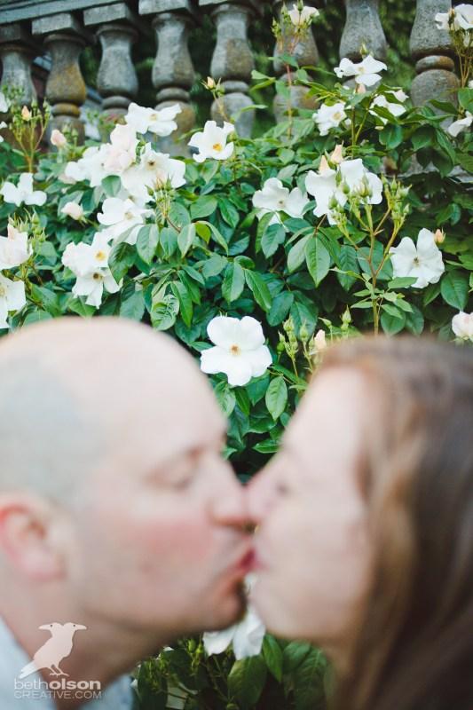 Ashley-Michael-Engagement-Peninsula-Park-Portland-BethOlsonCreative-033