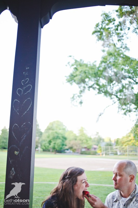 Ashley-Michael-Engagement-Peninsula-Park-Portland-BethOlsonCreative-054