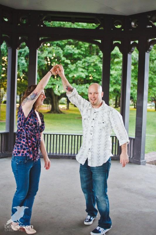 Ashley-Michael-Engagement-Peninsula-Park-Portland-BethOlsonCreative-065
