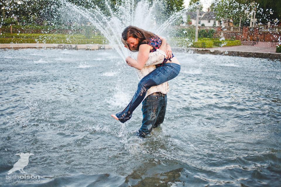 Ashley-Michael-Engagement-Peninsula-Park-Portland-BethOlsonCreative-095