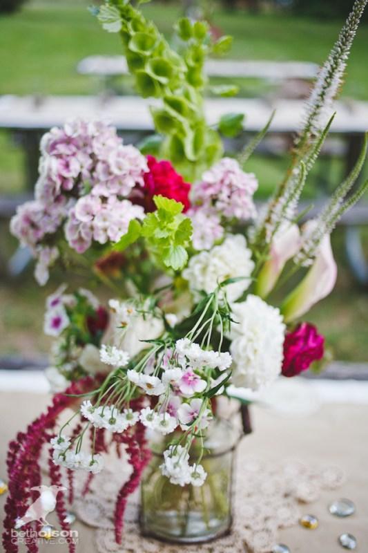 cristina-matt-steampunk-wedding-champoeg-park-betholsoncreative-017