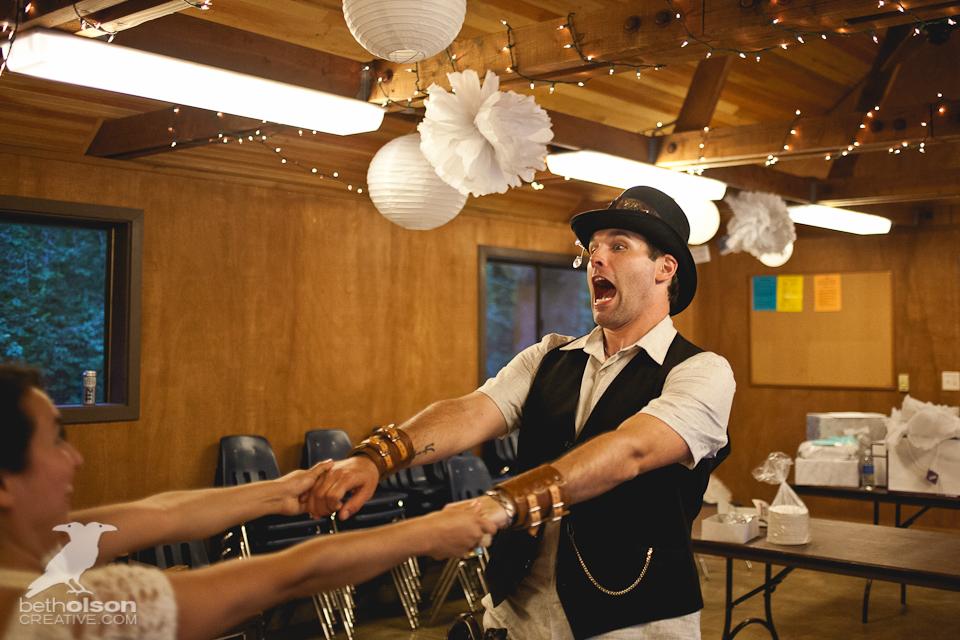 cristina-matt-steampunk-wedding-champoeg-park-betholsoncreative-082