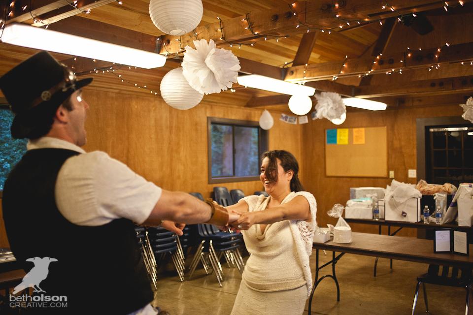 cristina-matt-steampunk-wedding-champoeg-park-betholsoncreative-083