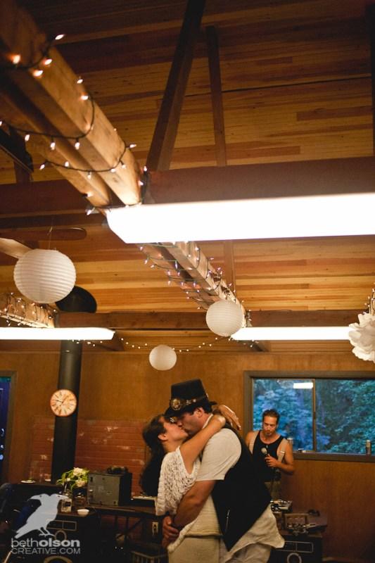 cristina-matt-steampunk-wedding-champoeg-park-betholsoncreative-087