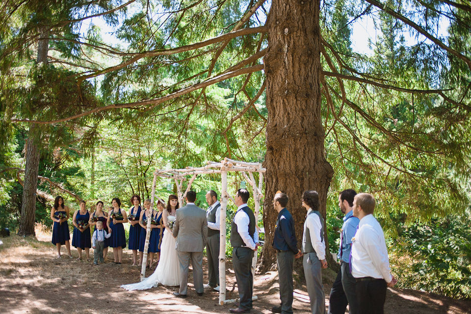 Ashley-Ian-Hoyt-Arboretum-Forest-Wedding-Portland-BethOlsonCreative-056