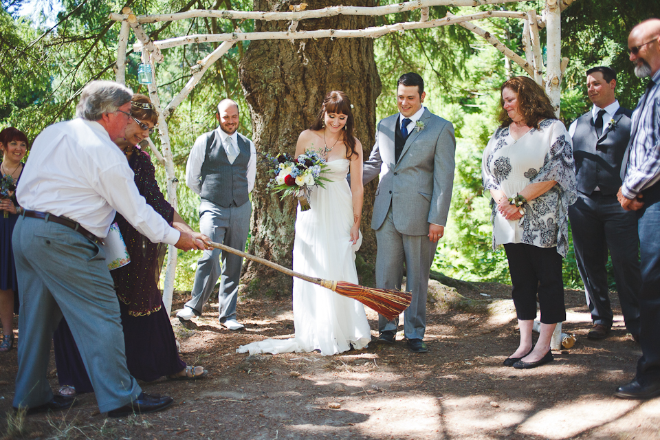 Ashley-Ian-Hoyt-Arboretum-Forest-Wedding-Portland-BethOlsonCreative-064