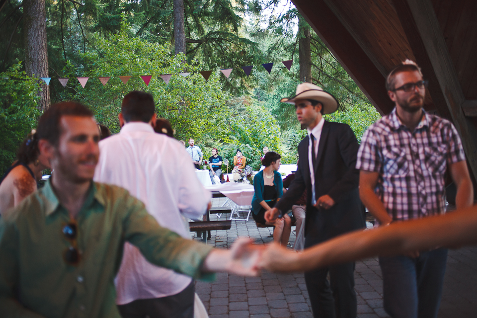Ashley-Ian-Hoyt-Arboretum-Forest-Wedding-Portland-BethOlsonCreative-154