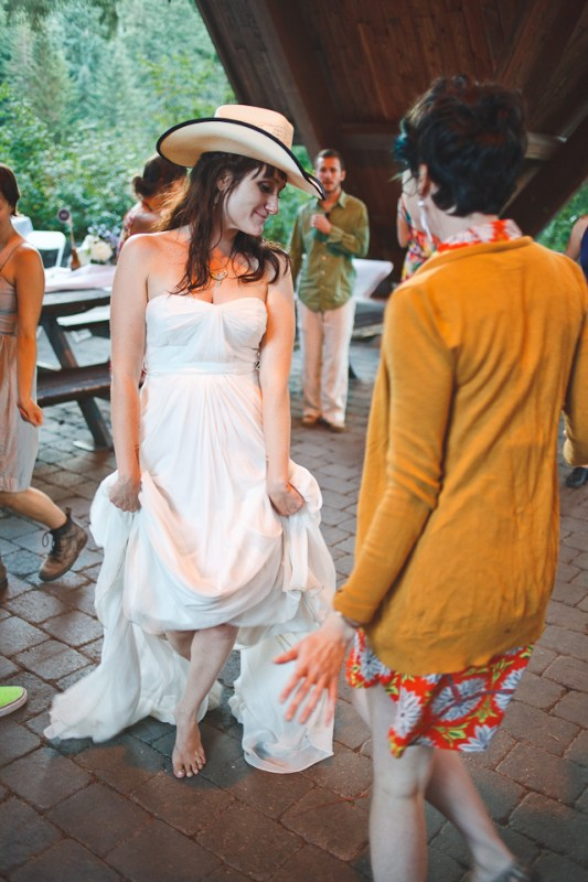 Ashley-Ian-Hoyt-Arboretum-Forest-Wedding-Portland-BethOlsonCreative-163