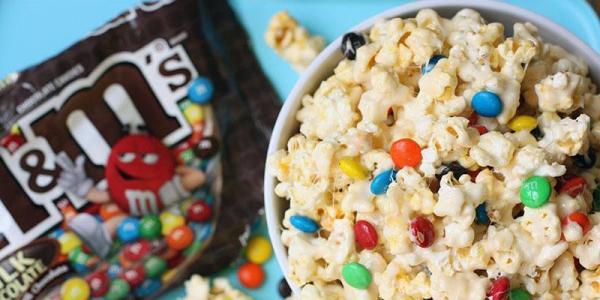 M&Ms Marshmallow Popcorn