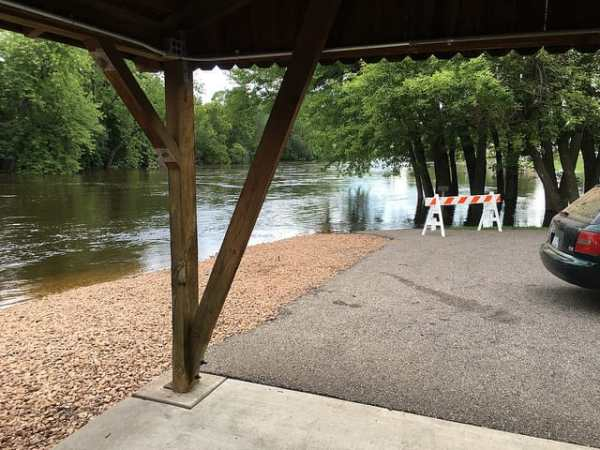 The shelter will soon be under water too.