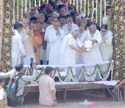 Ashes of Atal Bihari Vajpayee immersed in Ganga at Haridwar