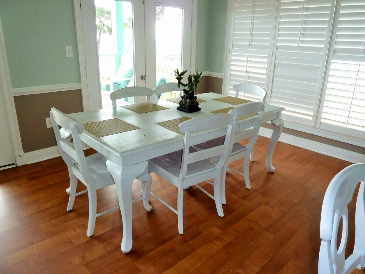 Two Palms Villa- Dining Table and Chairs