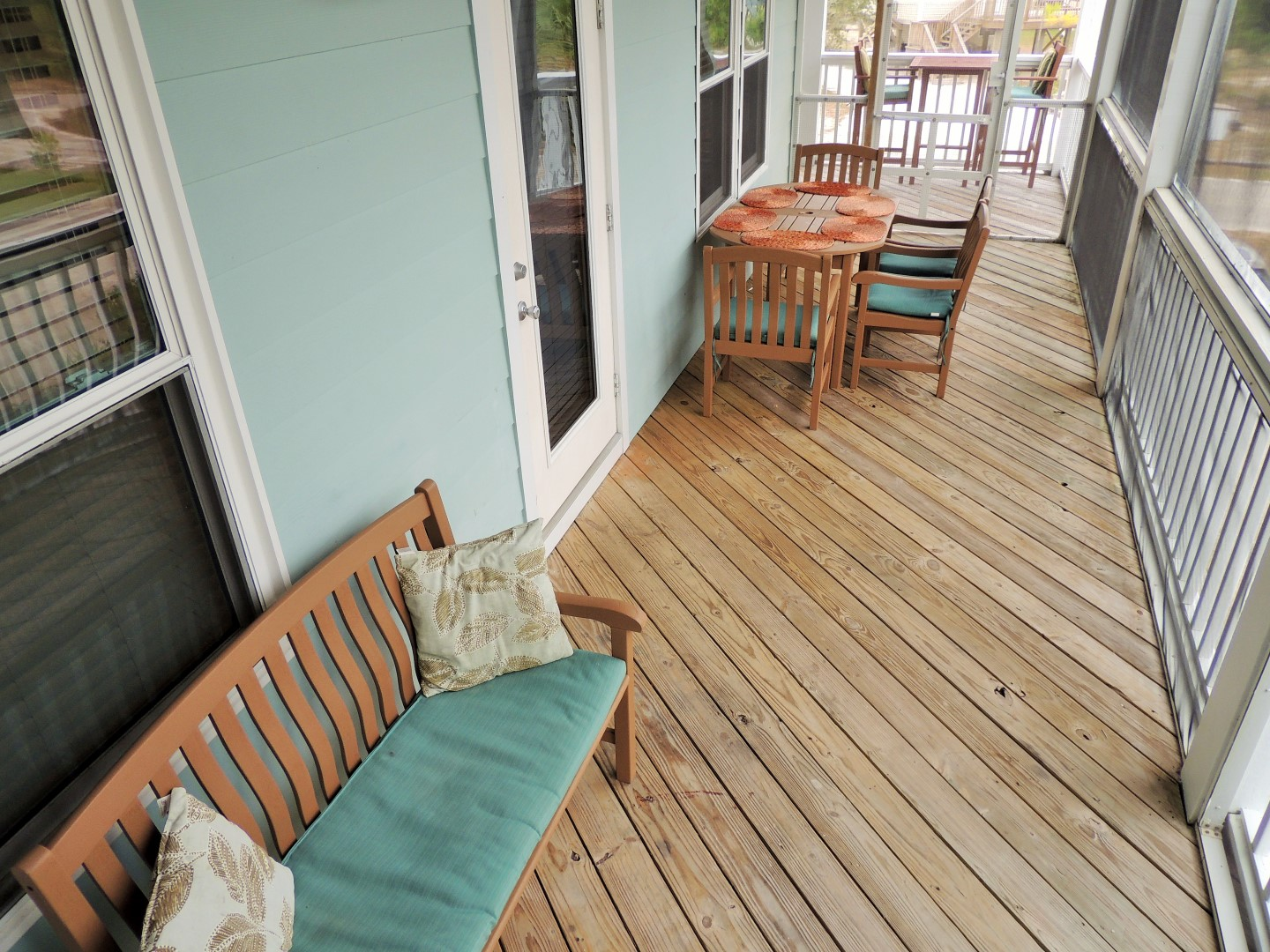 Screened in Deck, Connecting to Kitchen