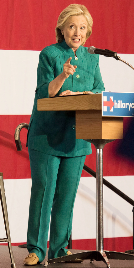 "Hillary Clinton, former U.S. secretary of state and democratic candidate for U.S. president, speaks during an Iowa launch event in Des Moines, Iowa, U.S., on Sunday, June 14, 2015. Hillary Clinton voiced discontent Sunday with the current status of the Trans-Pacific Partnership trade deal and suggested that she would fight to change it to ""take the lemons and turn it into lemonade."" Photographer: Daniel Acker/Bloomberg via Getty Images"