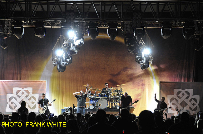 BREAKING-BENJAMIN-SEPT-11-2015-PHOTO-FRANK-WHITE-MID-HUDSON-CIVIC-CENTER-POUGHKEEPSIE-NEW-YORK-21-copy.jpg