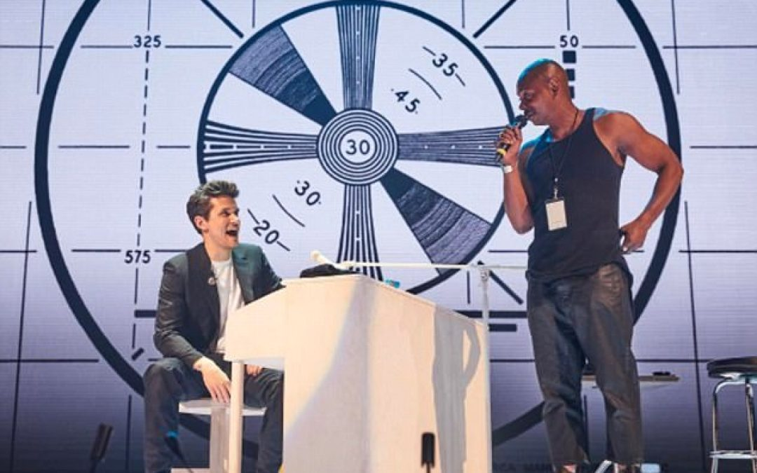 Dave Chappelle Joins John Mayer On Stage To Pay Tribute To Charlie Murphy