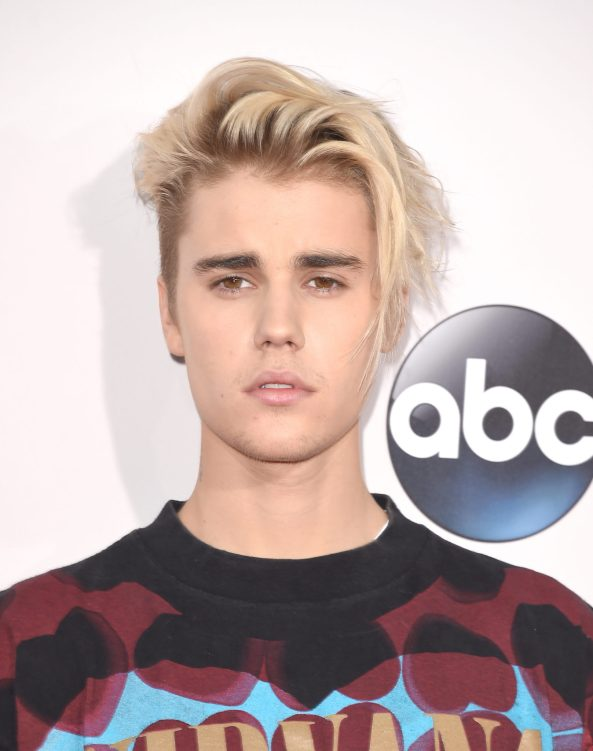 LOS ANGELES, CA - NOVEMBER 22: Recording artist Justin Bieber attends the 2015 American Music Awards at Microsoft Theater on November 22, 2015 in Los Angeles, California. (Photo by Jason Merritt/Getty Images)