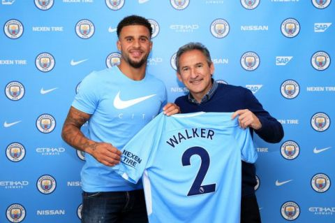 PAY-Kyle-Walker-signs-for-Manchester-City