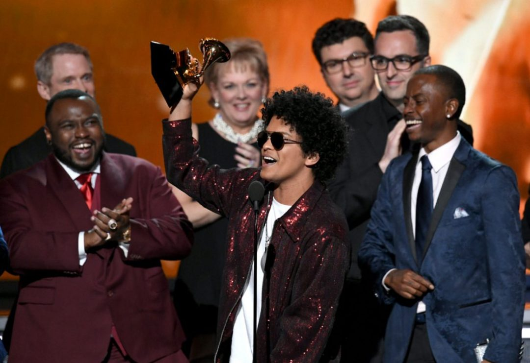 bruno_mars_album_grammy.jpg.size.custom.crop.1086x746.jpg