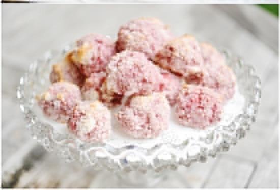 StrawberryCoconutMacaroonsRecipe (1)