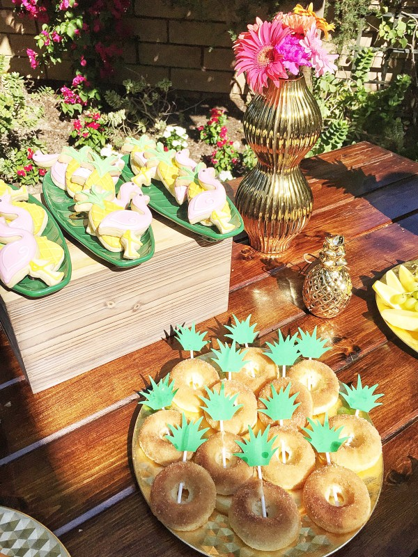 9ae6a8ca4bb3 How to Plan a Tropical Themed Bridal Shower!