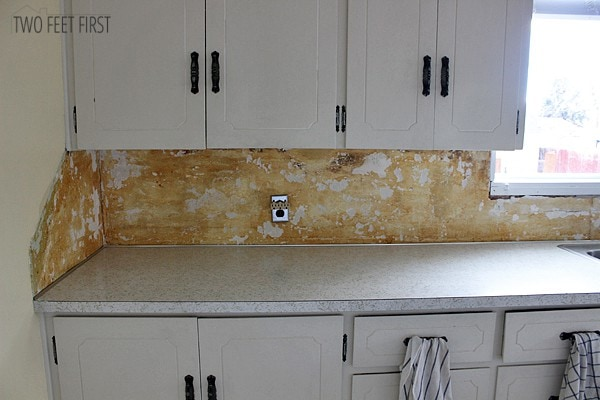 DIY-old-laminate-backsplash