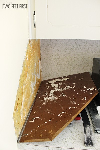 how to remove laminate backsplash