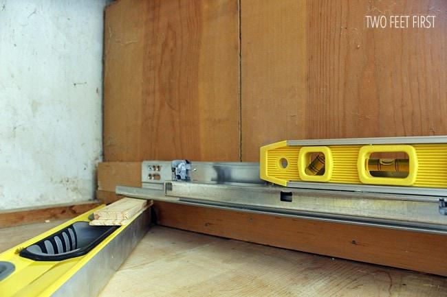 Leveling Drawer Slides : Building cabinet drawers adding blumotion slides