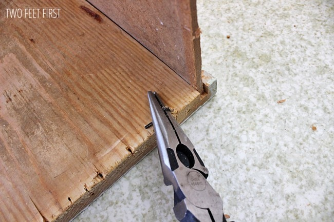 removing-nails