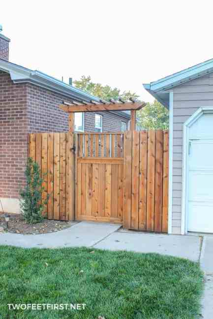 Do you want a little more curb appeal with your fence? Here is how to do just that by building a pergola over a gate.