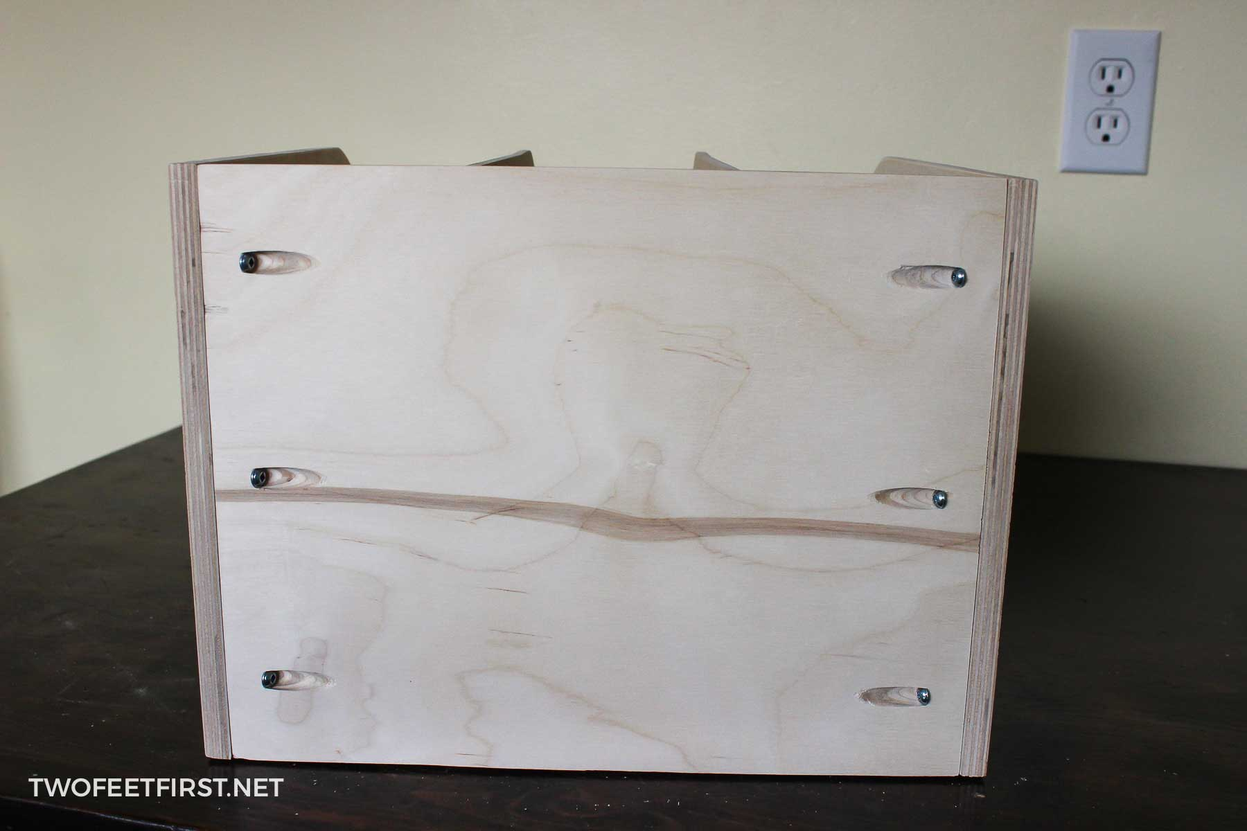 diy pull out baking sheet drawer to organize cookie sheets. Black Bedroom Furniture Sets. Home Design Ideas