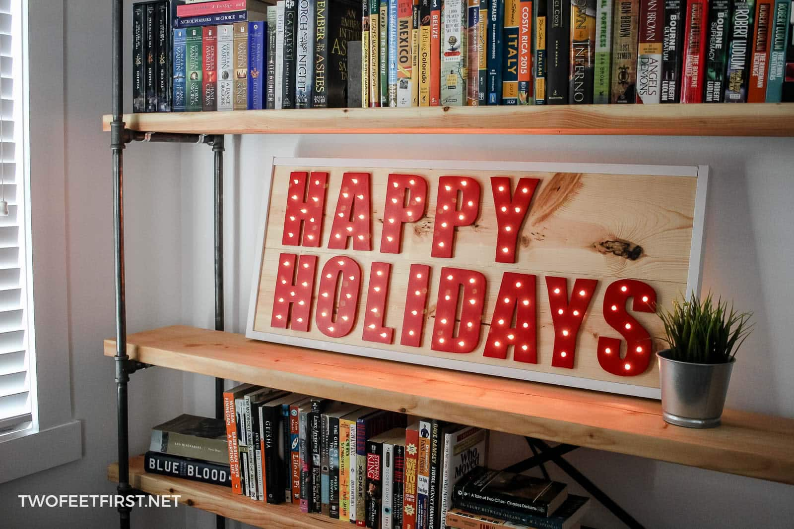 DIY wooden Christmas signs