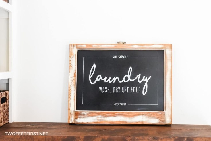 HOW TO UPCYCLE AN OLD WINDOW INTO A CHALKBOARD SIGN