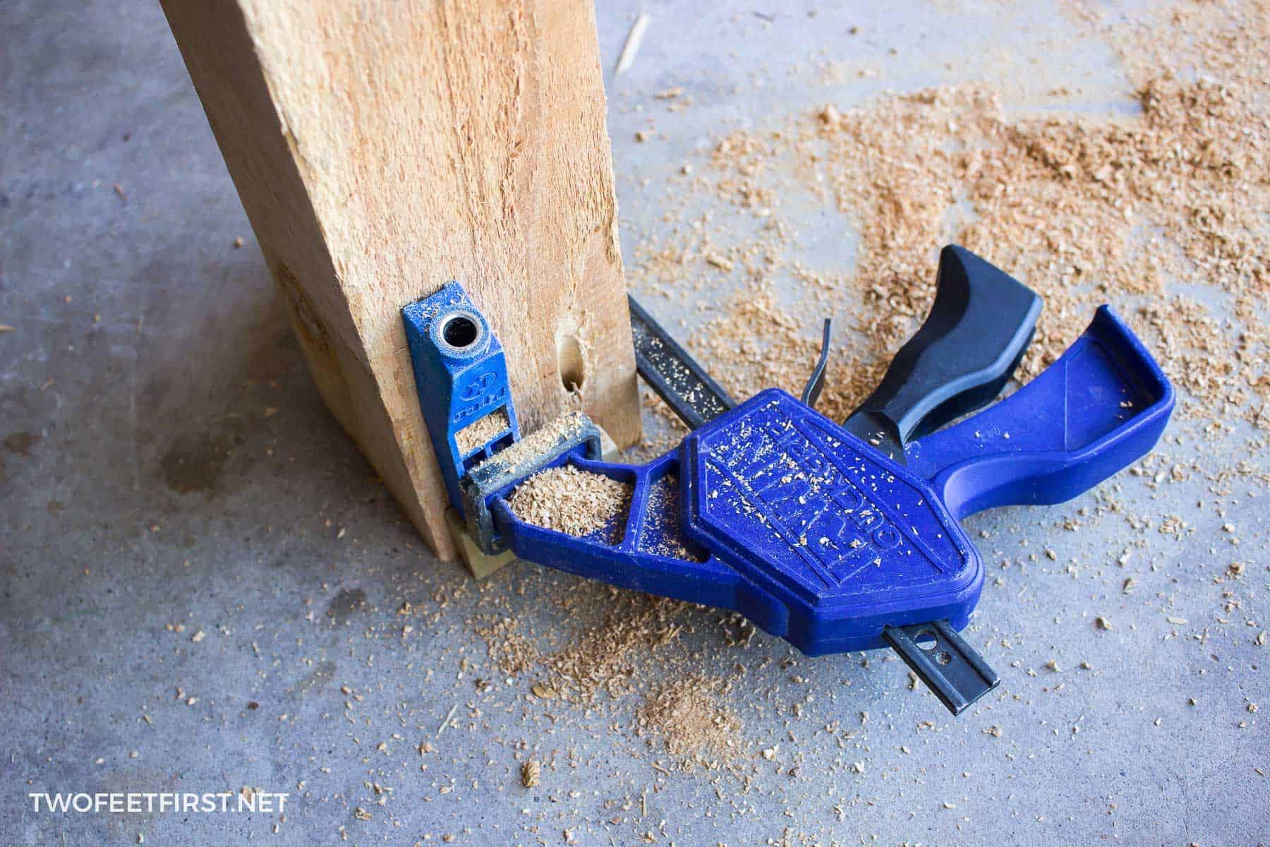 using mini Kreg Jig pocket maker