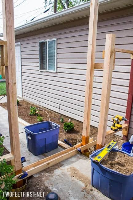 How to create a Simple Pergola Over a Gate. Update your fence by adding a pergola!