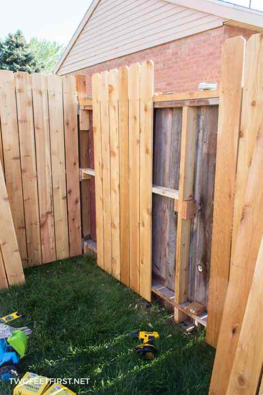supporting wooden fence
