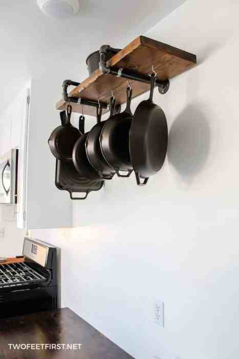 cast iron skillet storage