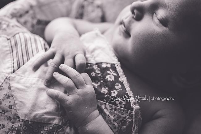 2016-03-12-arroyo-grande-newborn-photographer-infant-professional-prop-box-quilt-hands-natural-baby-california_2