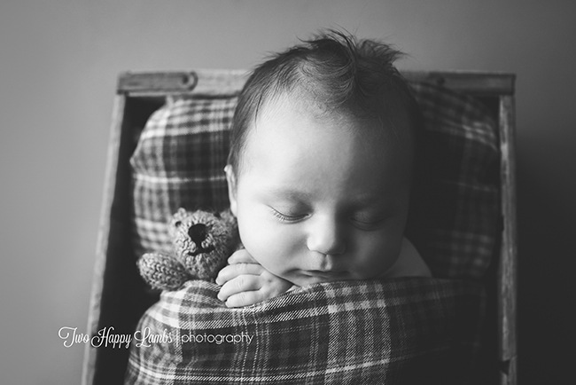 20160601-arroyo-grande-best-newborn-photography-infant-black-and-white-studio-baby-photoshoot-california