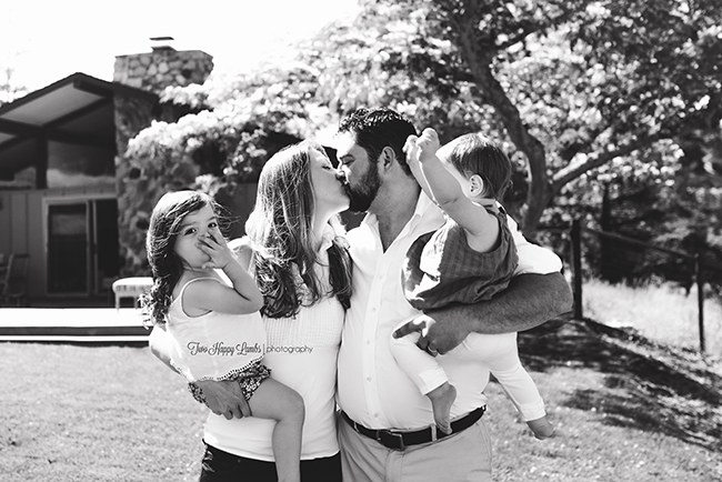 20160702-arroyo-grande-family-photography-best-family-photographer-lifestyle-photos-at-home-family-pictures-silly-kissing