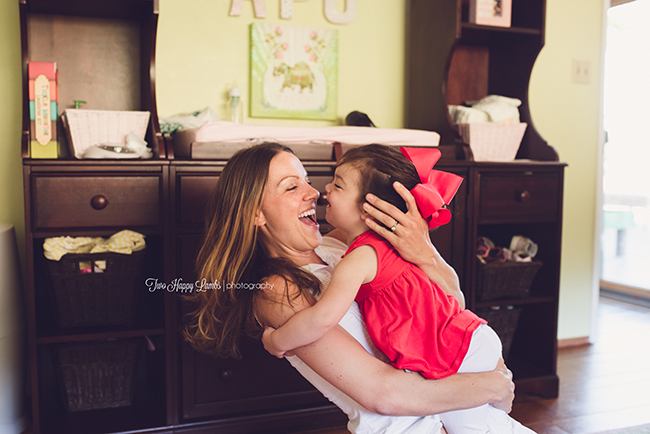 20160702-arroyo-grande-family-photography-best-family-photographer-lifestyle-photos-at-home-mom-and-her-baby-girl